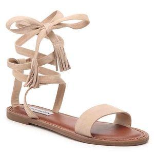 Nwt steve madden Kario sandals sz 7.5